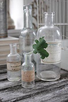 Bottles: Vintage medicin bottles