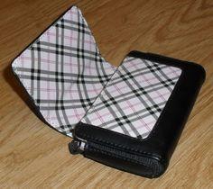 Body Glove - Universal Horizontal Phone Pouch for Medium phones - Black /Pink #BodyGlove