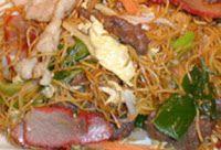 Surinaams eten!: Tjauw min: Surinaamse bami (Chow min)