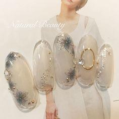 Natural Beauty(ナチュラルビューティー)さんはInstagramを利用しています:「#ネイル#nail#ネイルアート#ジェル #ネイルデザイン#大人女子 #大人女子ネイル#大人かわいいネイル #おしゃれネイル#春ネイル#パラジェル #きれいめネイル#春ネイル2019 #冬ネイル2019…」 Japanese Nail Design, Japanese Nails, Flower Nail Designs, Acrylic Nail Designs, Japan Nail, Asian Nails, Elegant Nail Art, Nail Art Designs Videos, Bride Nails