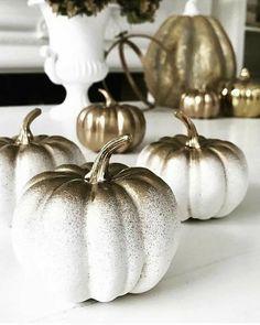 Pink Pumpkins, Painted Pumpkins, Glitter Pumpkins, Pumpkin Crafts, Fall Crafts, Pumpkin Ideas, Fall Home Decor, Autumn Home, White Pumpkin Centerpieces