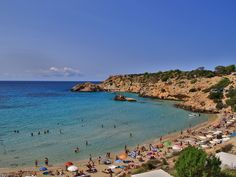 Netter Strand auf Ibiza #travel #reisen #vacation #urlaub #europe #spain #Ibiza #ibizastadt #strandurlaub #Insel #Island #summer #summerfun Island, Water, Summer, Travel, Outdoor, Nice Beach, Gripe Water, Outdoors, Summer Time