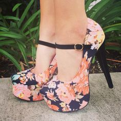 Floral Paradise Mary Jane Pumps - Shoes and beauty Cute High Heels, Platform High Heels, Crazy Shoes, Me Too Shoes, Shoe Boots, Heeled Boots, Zapatos Shoes, Mary Jane Pumps, Prom Shoes