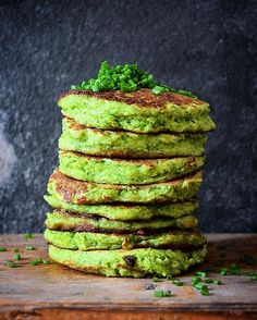 Broccoli & Haloumi Fritters (a.k.a Shrek Pancakes)! Find the recipe for Sweet Potato Fritters online and replace the Sweet Potatoes with 500 gr. raw broccoli (pulsed in a food processor until broccoli resembles couscous) and serve with Aioli! #shrekfritters #broccoli #fritters #eatyourgreens #green #groen #veggies