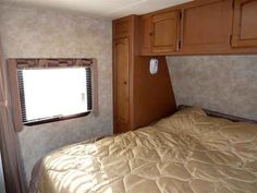 2011 Used Gulf Stream Gulf Breeze Travel Trailer in Indiana IN.Recreational Vehicle, rv, 2011 Gulf Stream Gulf Breeze , Streamlite is the perfect combination of comfort, affordability, quality and comfort in a lightweight travel trailer. The list of standard features and the Sport options are impressive making it an outstanding value. From attention to detail to the ruggedness of vacuum-bonded structure, Streamlite meets your expectations in all ways. Standard Exterior Features powder-coated…