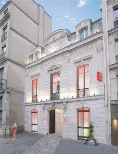 L'enseigne Uniqlo va ouvrir dans Le Marais à Paris http://fashions-addict.com/L-enseigne-Uniqlo-va-ouvrir-dans-Le-Marais-a-Paris_408___14343.html