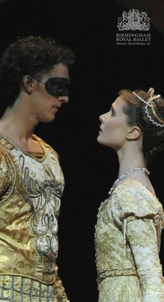Birmingham Royal Ballet - Romeo and Juliet; Jenna Roberts as Juliet and Iain Mackay as Romeo; photo: Roy Smiljanic