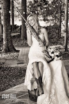 Camo gun white wedding dress adorable!!!!!