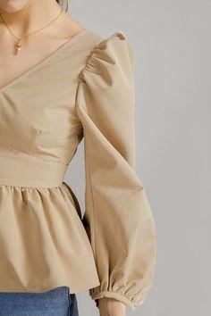 Stylish Dresses For Girls, Dressy Dresses, Simple Dresses, Fashion Sewing, Girl Fashion, Fashion Dresses, Sleeves Designs For Dresses, Sleeve Designs, Formal Pants Women