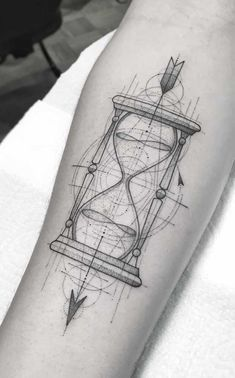 idee per tatuaggi geometrici idee per tatuaggi geometrici Simple Tattoos For Guys, Tattoos For Guys Badass, Half Sleeve Tattoos For Guys, Meaningful Tattoos For Women, Geometric Tattoo Sketch, Geometric Tattoo Pattern, Tattoos Geometric, Bild Tattoos, Mom Tattoos