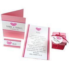 Pinkit sydämet on valmistettu sormileimailemalla VersaColor-leimasinvärin avulla. Scissors, Menu, Wedding Inspiration, Glitter, Engagement, Weddings, Sweet, Menu Board Design, Candy