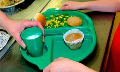 Thousands of children ineligible for free school meals but live in 'hidden poverty'  http://www.guardian.co.uk/society/2013/m...    Children's Society study finds highest numbers of children living in poverty but ineligible for free meals are in UK's richest areas