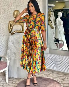 On set of skinny girl in transit. presently filming season 5 shalewa did not come to play this season .looking very decent in this… Classy Dress, Classy Outfits, Chic Outfits, Fashion Outfits, Girls Maxi Dresses, Modest Dresses, African Wear, African Dress, Ethno Style
