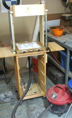 DIY vacuum forming Building a Small Format Vacuumformer from an Old Toaster Oven Cool Tools, Diy Tools, Maker Shop, Cement Crafts, Homemade Tools, Kydex, Diy Electronics, Diy Molding, Mold Making