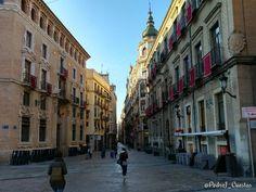 La calle #Traperia se viste de #Colorao el #Miercoles Santo de #SSantaMurcia. #Murcia #Spain #MiMurcia