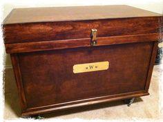 Show trunk, wheels, brass hardware, hunter jumper, tack trunk