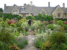 Walled Garden, Chipping Campden, England | Flickr - Photo Sharing!