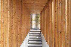 Pardo tapia architecture oviedo museum travertine for Studio 54 oviedo