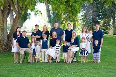 family photo outfits family photo blue/white w/red Extended Family Pictures, Family Pictures What To Wear, Summer Family Pictures, Large Family Photos, Family Beach Pictures, Family Pics, Spring Pictures, Family Picture Colors, Family Picture Poses