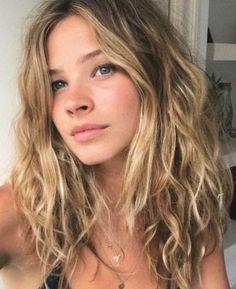 Natural beachy waves hair style - Hairstyles For All Bad Hair, Hair Day, Pelo Ondulado Natural, Cejas Kendall Jenner, Curly Hair Styles, Natural Hair Styles, Natural Wavy Hair Cuts, Natural Wavy Hairstyles, Simple Hairstyles