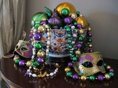 Official site for Mardi Gras 2016 in New Orleans, offering regular updates on Mardi Gras. The best place to get Mardi Gras beads, masks, king cakes and unique decorations. Mardi Gras Wreath, Mardi Gras Beads, Mardi Gras Party, Mardi Gras Centerpieces, Mardi Gras Decorations, Centerpiece Decorations, New Orleans Mardi Gras, Mardi Gras Costumes, Masquerade Party