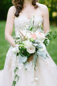 To see more charming details about this Maryland wedding: http://www.modwedding.com/2014/11/27/delightfully-charming-maryland-wedding-theresa-choi-photography/ #wedding #weddings #bridal_bouquet