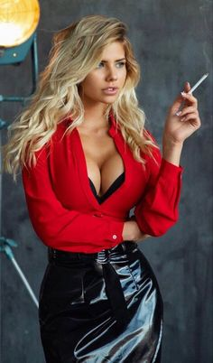 Women Smoking, Girl Smoking, Beauty Full Girl, Beauty Women, Actrices Sexy, Voluptuous Women, Hot Blondes, Sexy Outfits, Club Outfits For Women