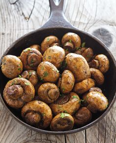 Easy Baked Garlic Mushrooms 1 lb / 453 gr white button mushrooms, scrubbed and stems trimmed 4 tablespoons balsamic vinegar 2 tablespoons butter, melted 3 garlic cloves, crushed ½ teaspoon dried oregano ½ teaspoon dried dried basil 1 teaspoon fine grain sea salt ¼ teaspoon ground black pepper