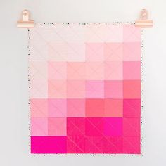 Beautiful Pink quilt made with Riley Blake Confetti Cottons Modern Quilt Blocks, Modern Quilting, Quilt Patterns, Sewing Patterns, Pink Quilts, Quilt Making, Sewing Hacks, Diy Crafts, Riley Blake