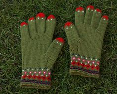 Ravelry: toopink's knitted gloves - check out her Rav page for closeups of fingers :)