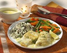 Unser beliebtes Rezept für Zanderfilet mit Bohnen-Möhrengemüse und Reis und mehr als 55.000 weitere kostenlose Rezepte auf LECKER.de.