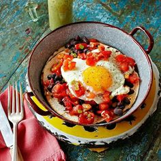 @jamieoliver Morning gang #RecipeOfTheDay quick & super-tasty veggie Mexican breakfast. Serve with salsa verde fresco for a bit of attitude!!! AND If you are in the UK I'm on Saturday Kitchen over on @bbcone 10am today!! Get watching xxxx J #breakfast #eggs#weekend