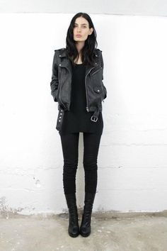 Trendy style rock chic grunge all black ideas Mode Outfits, Casual Outfits, Fashion Outfits, Womens Fashion, Fashion Trends, Casual Goth, Rock Chic Outfits, Cute All Black Outfits, All Black Outfit Casual