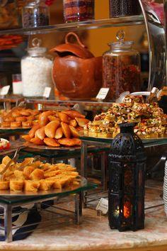 #Ramadan #Buffet #Zaitouni #Desserts #oriental #Atayef #Konafah