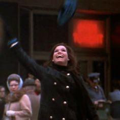 Who can turn the world on with her smile #marytylermoore #thatgirl #glamour #female #independence #rolemodel #rip