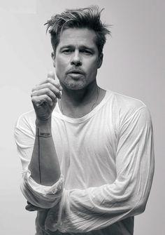 Brad Pitt Fotograf Galerisi Brad Pitt Photos Brad Pitt Gallery - actors and actresses ♡ - # Brad Pitt Tattoo, Tattoo Film, Bratt Pitt, Brad Pitt Photos, Tyler Durden, Hollywood Actor, Jennifer Aniston, Johnny Depp, Movie Stars