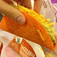 7 Sneaky Fast Food Hacks From The Pros Must read for all fast food lovers! Fast Food Menu, How To Read A Recipe, Food Now, Food Hacks, Food Tips, Eating Habits, The Best, Tacos, Food And Drink