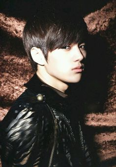 L (Infinite) / Kim Myung-soo...OMEGERDDD HE LOOKS JUST LIKE DAEHYUN  Come visit kpopcity.net for the largest discount fashion store in the world!!