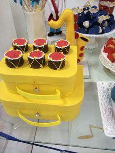 Pão de mel de tambor para os três anos do Luca