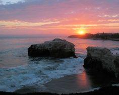 Natural Bridges State Beach, Santa Cruz, CA. The last remaining natural bridge. Beach Sunset Wallpaper, Scenery Wallpaper, Wallpaper Backgrounds, Wallpapers, Sunset Beach California, California Dreamin', Beautiful Beach Sunset, I Love The Beach, Free Beach