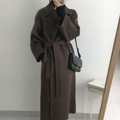 LCO-2010-006 コート ガウン ウエストリボン ロング 秋冬 (コート) 60909200【BUYMA】 Types Of Coats, Wool Overcoat, Long Wool Coat, Belted Coat, Women Sleeve, Minimalist Fashion, Minimalist Style, Keep Warm, Elegant