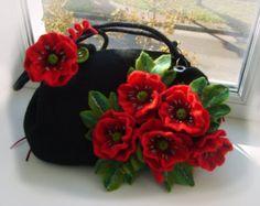 Felt bag Red poppies-Felted wool purse-Felt by YuliasFeltworld Source by tessawyman bag black Wool Felt, Felted Wool, Felted Bags, Red Crossbody Bag, Clutch Bag, Felt Purse, Flower Bag, Art Bag, Felt Brooch