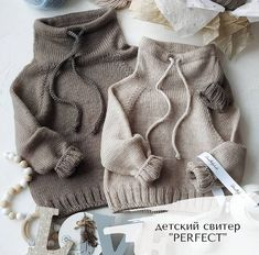 Knit Baby Sweaters, Knitted Baby Clothes, Baby Hats Knitting, Knitting For Kids, Baby Knitting Patterns, Baby Patterns, Baby Outfits, Toddler Outfits, Kids Outfits