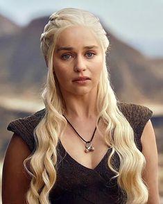 Game Of Thrones Dress, Watch Game Of Thrones, Game Of Thrones Art, Deanerys Targaryen, Emilia Clarke Daenerys Targaryen, Baywatch, Mother Of Dragons, Khaleesi, Blue Wallpapers