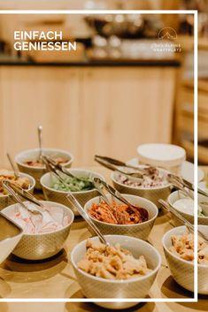 Wo Genuss entsteht - Das Cocoon Restaurant Restaurant, Table Decorations, Breakfast, Food, Home Decor, Simple, Morning Coffee, Decoration Home, Room Decor