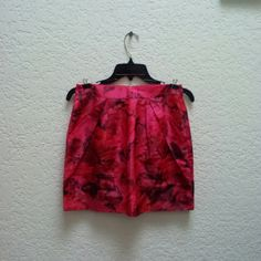 *HP!* J. Crew Red Pink Origami Mini Skirt in Peony *3/27/16 Style Crush Party Host Pick!* J. Crew, size 2, in excellent condition! Pink and red peony pink, origami mini skirt. Front pleats and pockets, zipper in back, not sheer. Please ask any and all questions before purchasing. No trades. Make a reasonable offer. Thanks! J. Crew Skirts Mini