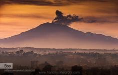Puerto Montt y volcan Calbuco by fjnegroni