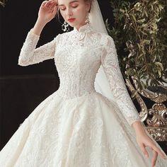Classy Wedding Dress, Fancy Wedding Dresses, Muslim Wedding Dresses, Bridal Dresses, Muslimah Wedding Dress, Wedding Dress Gallery, Types Of Dresses, Bridal Lace, Lace Beading