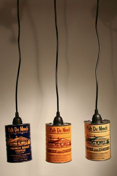 Build a ceiling lamp yourself - simple instructions and ideas- Deckenlampe selber bauen – einfache Anleitung und Ideen Tin cans with labels as an upcycling hanging lamp - Paleterias Ideas, Lamp Ideas, Rustic Lighting, Outdoor Lighting, Pendant Lamp, Pendant Lighting, Chandelier, Coffee Cans, Coffee Shop