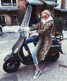 Claartje Rose, Dutch blogger, panter jacket, winter fashion